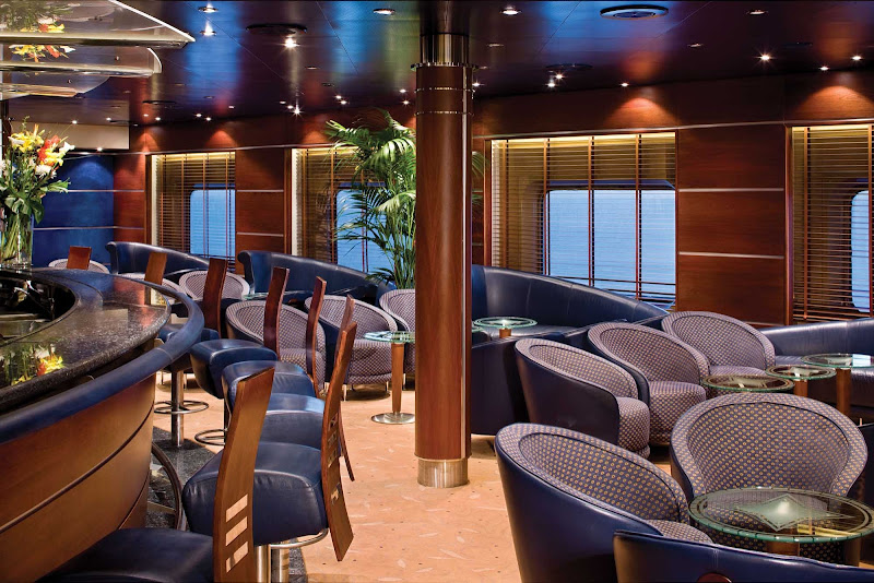 The Voyager Lounge on your Regent Seven Seas cruise offers pre-dinner cocktails in the early evening and later transforms into a lively nightclub.