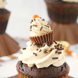 Chocolate & Peanut Butter Surprise Cupcakes