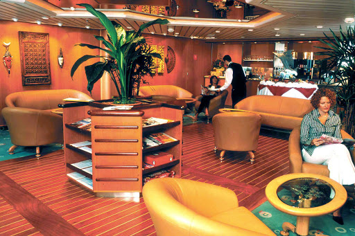 Adventure-of-the-Seas-Concierge-Club - Guests who book a suite and Diamond Plus & Pinnacle Club members of the Crown & Anchor Society can take advantage of the exclusive Concierge Lounge aboard Adventure of the Seas, equipped with exclusive amenities.