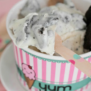 Homemade Cookies and Cream Magic Shell