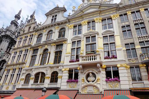 building-brussels-belgium - Building in Brussels, Belgium.
