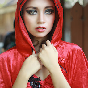 LADY IN RED by Ismail Ahmad - People Portraits of Women