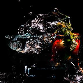 strawberry splash by Star Image - Food & Drink Fruits & Vegetables ( fruit strawberry plash water flash,  )