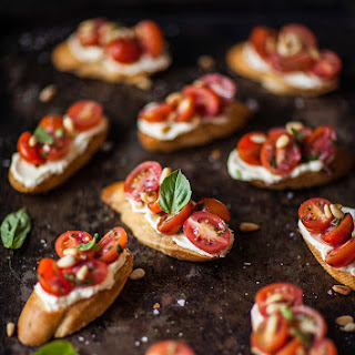 Tomato and Basil Crostini with Whipped Goats Cheese Recipe