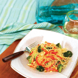 Rice Noodle Bowl with Broccoli and Bell Peppers