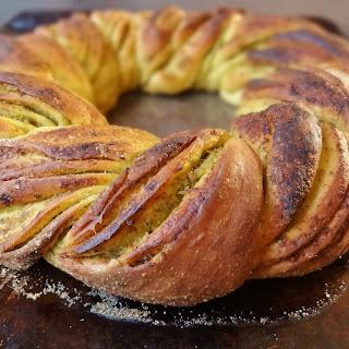 Pesto Bread Wreath.