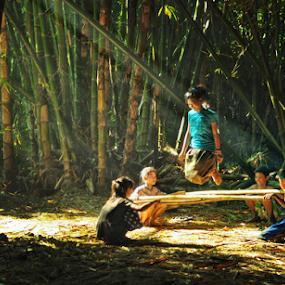 Hap hap by Aditya Perdana - Babies & Children Children Candids