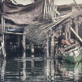 Fisherman by Asep Dedo - People Street & Candids ( villes, rencontres, continents, découvertes curiosités, personnes, marchés )