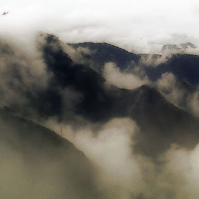Peace of nature by Debraj Gupta - Landscapes Mountains & Hills ( hills, mountain, peace, cloud, south india )