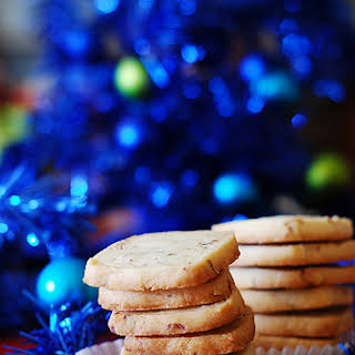 Almond shortbread cookies with Amaretto.